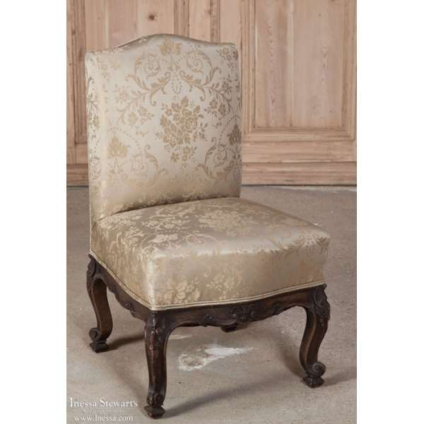 19th Century Italian Hand Carved Walnut Bodoire Chair with Silk Upholstery