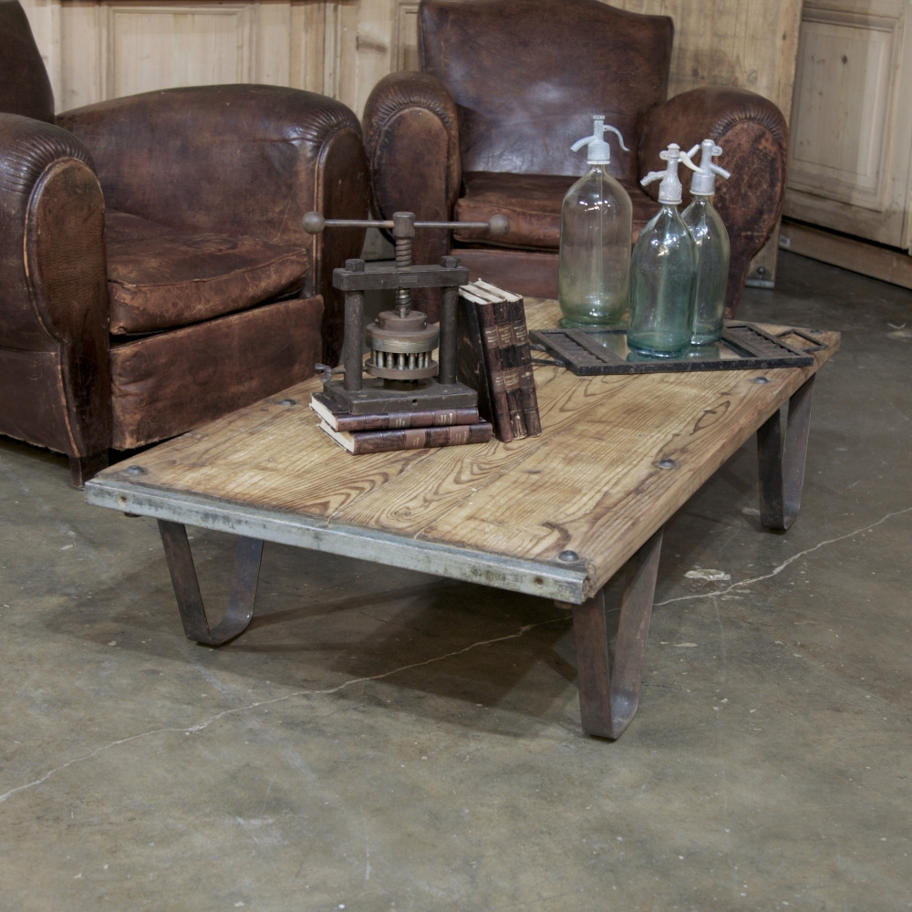 Andalusia Vintage Coffee Table: Antique Industrial Brick Pallet Coffee Table